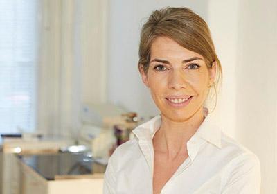 Frau Dr. med. Nina Reinecke, Fachärztin für Allgemeinbedizin,